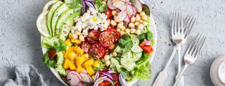 a plate of healthy foods to eat
